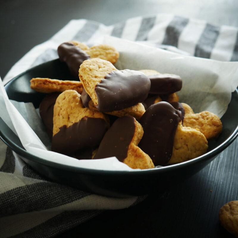 Biscotti Cuore con Cioccolato per San Valentino